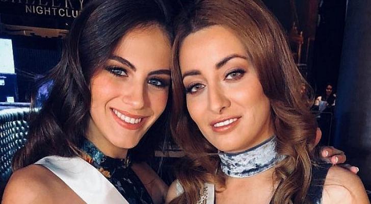 ملكة جمال تل آبيب أدار غندلسمان (يسار) وملكة جمال العراق سارة عيدان في صورة مشتركة
