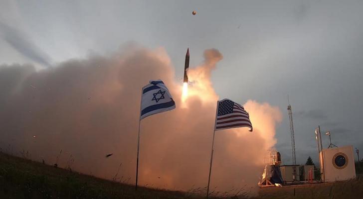 جانب من إطلاق الصاروخ