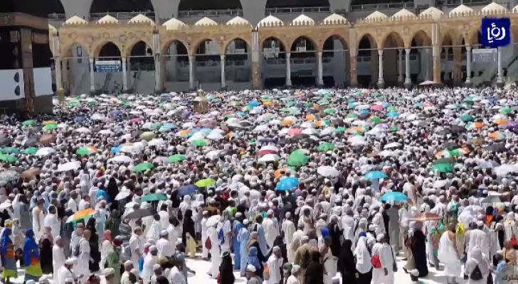 الحجاج يستعدون للانتقال إلى مخيمات عرفات الجمعة