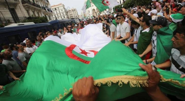 هيئة الحوار في الجزائر تجتمع للمرة الاولى مع بعض ممثلي حركة الاحتجاج