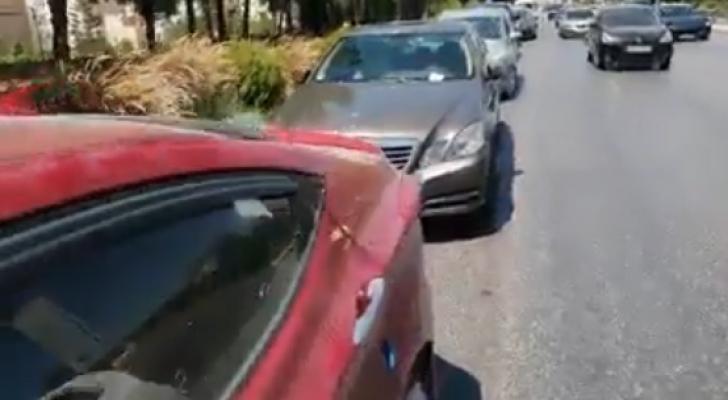 مخالفات سير جماعية لمصلين على طريق المطار