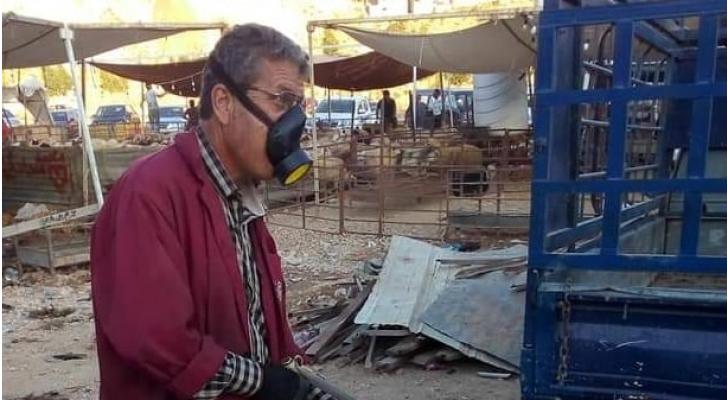 أمانة عمان تواصل عمليات الرش والتعقيم لمواقع الاضاحي