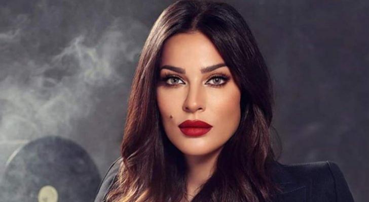 النجمة اللبنانية نادين نسيب نجيم