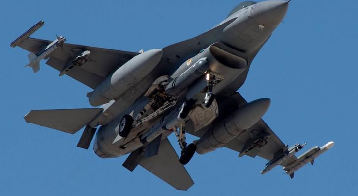 مقاتلة إف 16