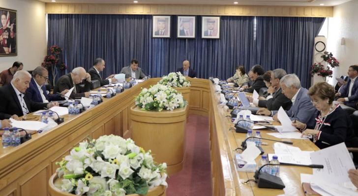 اللجنة القانونية في مجلس الأعيان