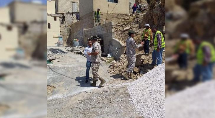 توجيهات بترميم وتوسعة بيت سيدة مسنة في الأغوار الشمالية - القيادة العامة للقوات المسلحة الأردنية