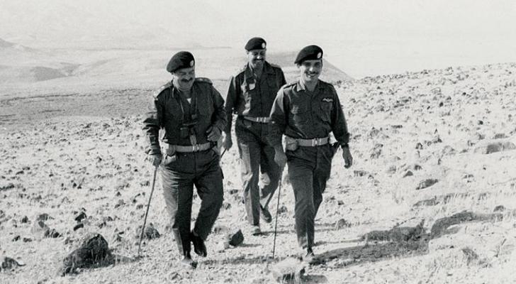 الملك حسين وخلفه زيد بن شاكر