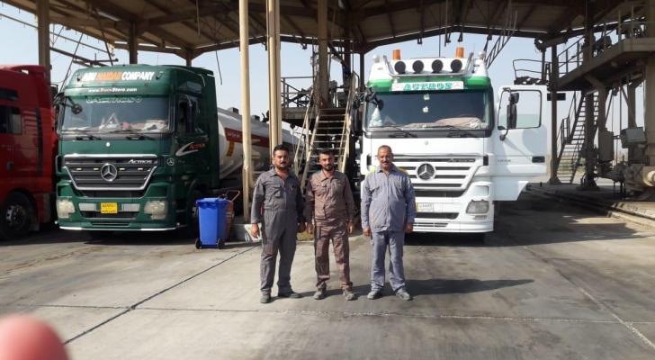 الشاحنات العراقية والاردنية التي تحمل النفط العراقي