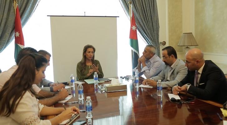 من اجتماع وزيرة الدولة لشؤون الإعلام مع مدراء الأخبار بمحطات التلفزة المحلية