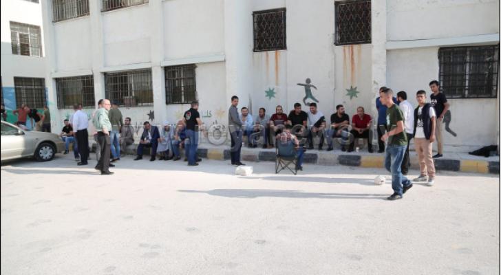 الصورة من اضراب المعلمين
