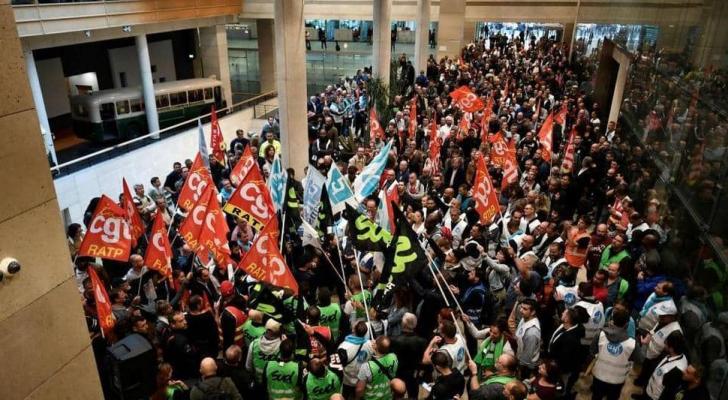 الإضراب في باريس الجمعة