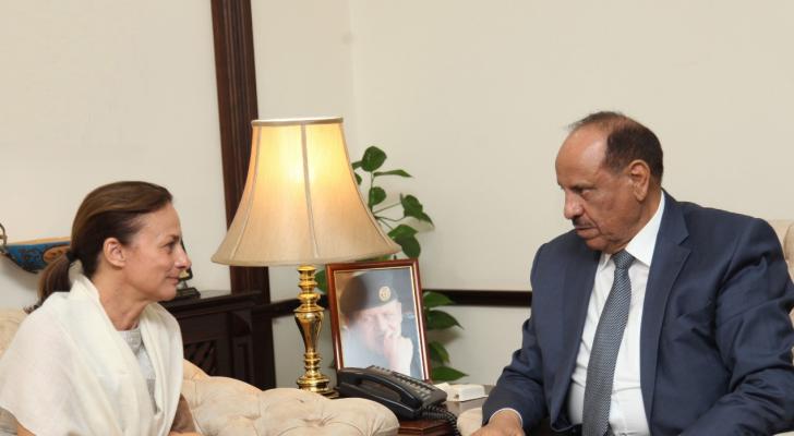 """حماد يلتقي ممثل منظمة الامم المتحدة للطفولة """"اليونيسف"""""""