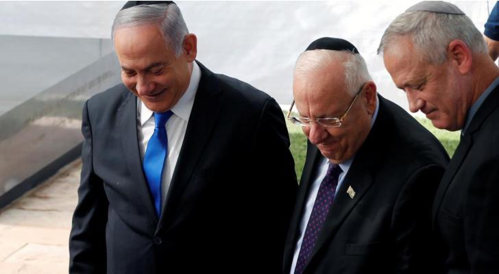 نتنياهو وغانتس ورئيس كيان الاحتلال