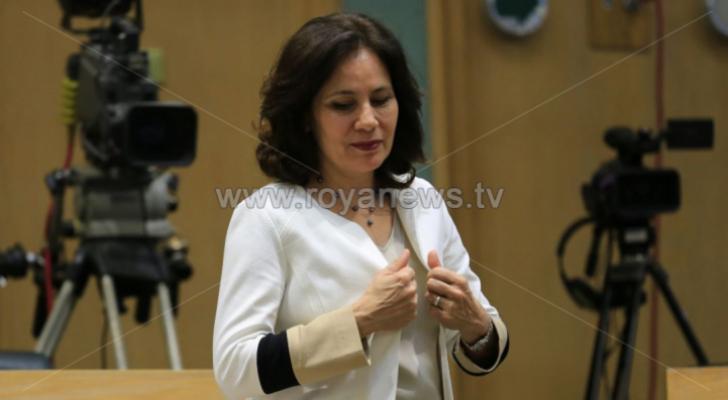 وزيرة الطاقة والثروة المعدنية المهندسة هالة زواتي - ارشيفية