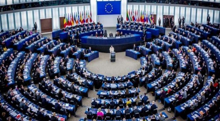 لجنة الموازنة في البرلمان الأوروبي ترفض بالأغلبية طلب قطع المساعدات عن الأونروا