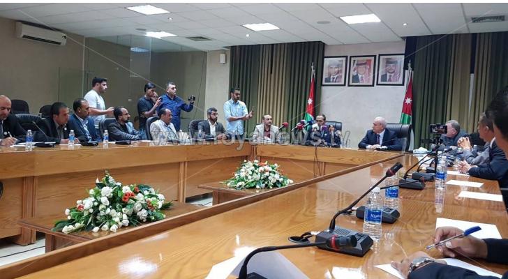 التوقيع الرسمي للاتفاق بين الحكومة ونقابة المعلمين