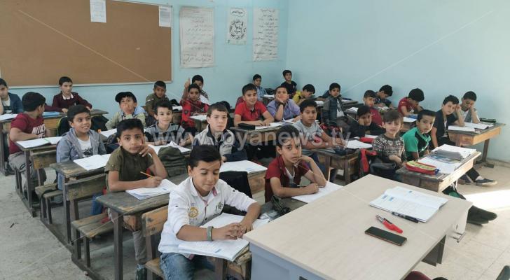 الطلبة في اليوم الأول بعد انتهاء اضراب المعلمين