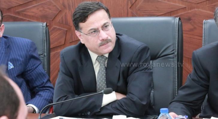 وزير المالية الدكتور عزالدين كناكرية