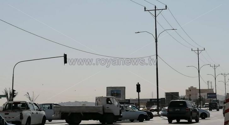 من مكان الاشارة المتعطلة على طريق اربد عمان