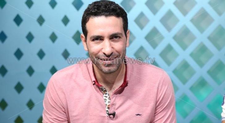 النجم المصري محمد أبو تريكة خلال استضافته في برنامج اكسترا تايم