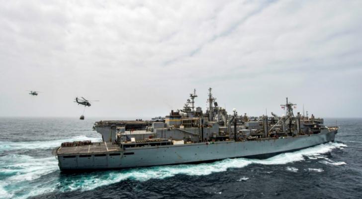 """سفينة الإنزال الأمريكية """"يو أس أس بوكسر"""""""
