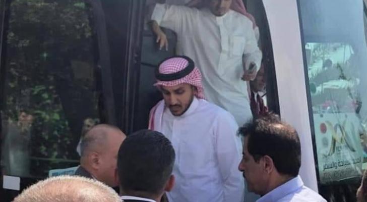 جانب من وصول المنتخب السعودي لرام الله