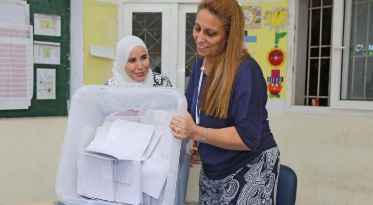 انتهاء التوصيت في الجاولة الحاسمة من السباق الرئاسي بتونس