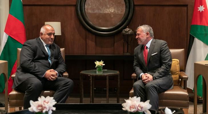 الملك يعقد مباحثات مع رئيس الوزراء البلغاري في قصر الحسينية
