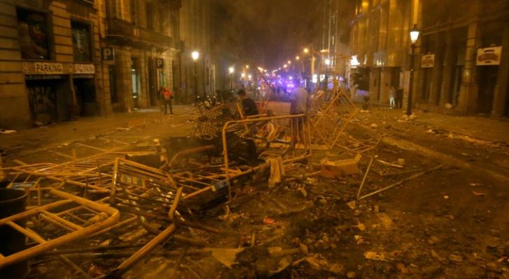 حطام في احد شوارع برشلونة