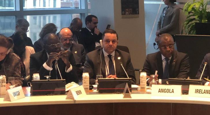وزير التخطيط يلتقي مع كبيرة الاقتصاديين في البنك الدولي
