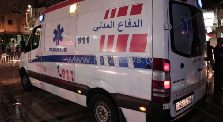 دهس 3 أشخاص بينهم أب وابنته بحادث تدهور مركبة في عمان