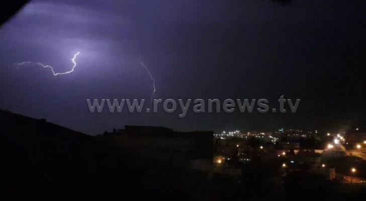 البرق في العاصمة عمان
