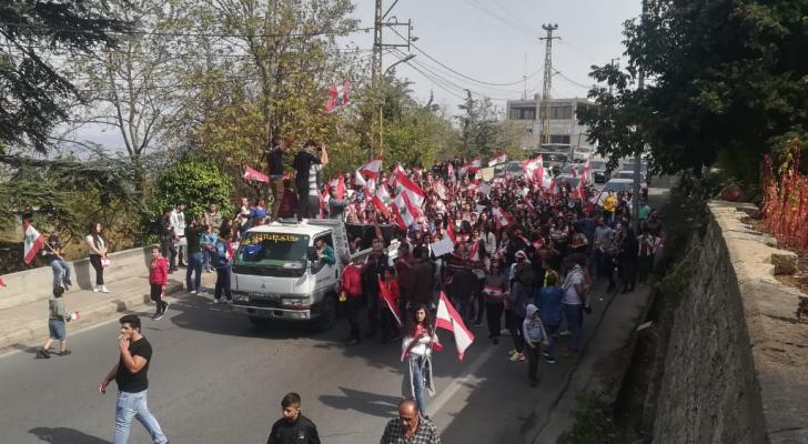 لبنان ينتفض لليوم الحادي عشر على التوالي