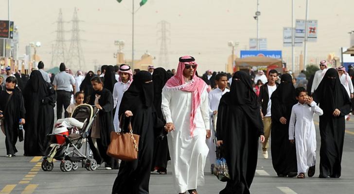 السعودية.. مخالفات الذوق العام تدخل حيز التنفيذ