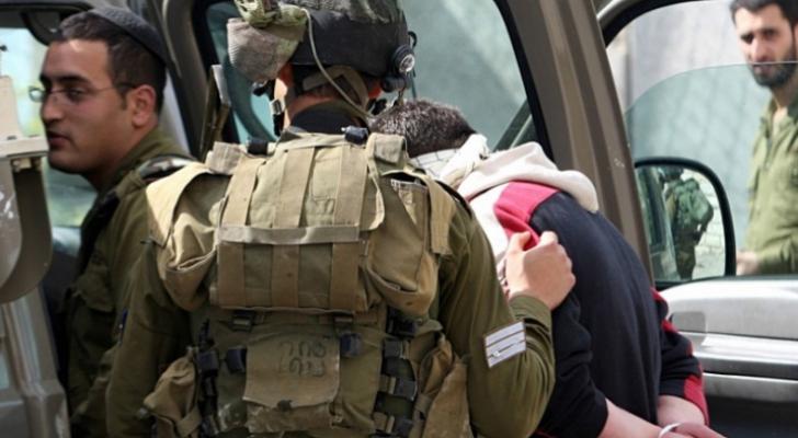 الاحتلال يشن حملة اعتقالات بالضفة الغبية