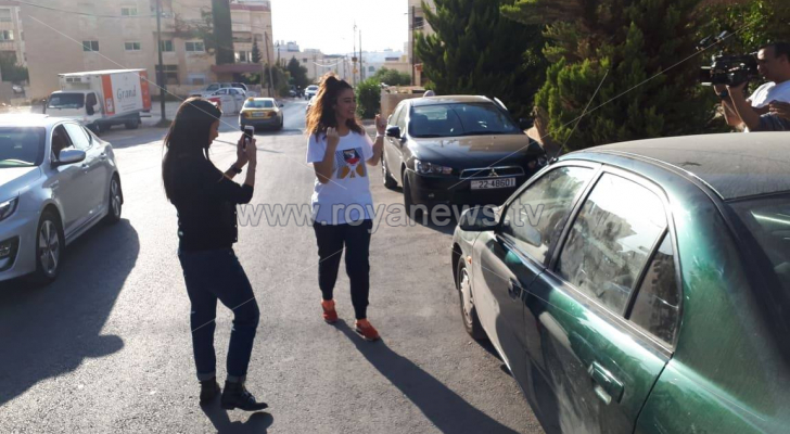 وصول الاسيرة الاردنية المحررة هبة الللبدي الى منزلها في عمان