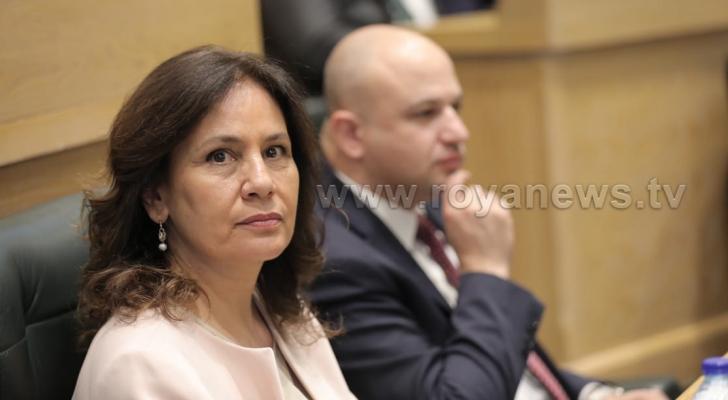 وزيرة الطاقة والثورة المعدنية هالة زواتي