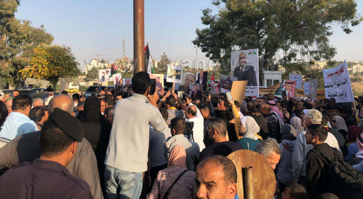 ذوو أردنيين معتقلين في السعودية ينفذون وقفة أمام وزارة الخارجية