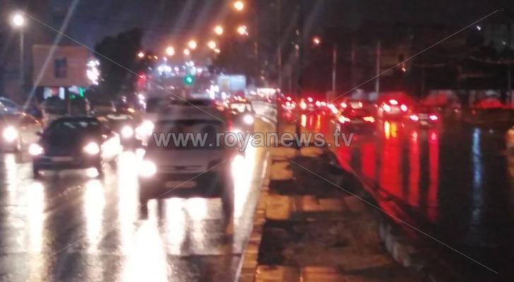طقس العرب: أمطار رعدية متفاوتة في أجزاء مختلفة من العاصمة عمان الآن