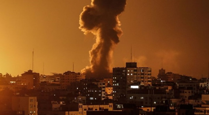 الاحتلال يشن غارات على مواقع للمقاومة في غزة