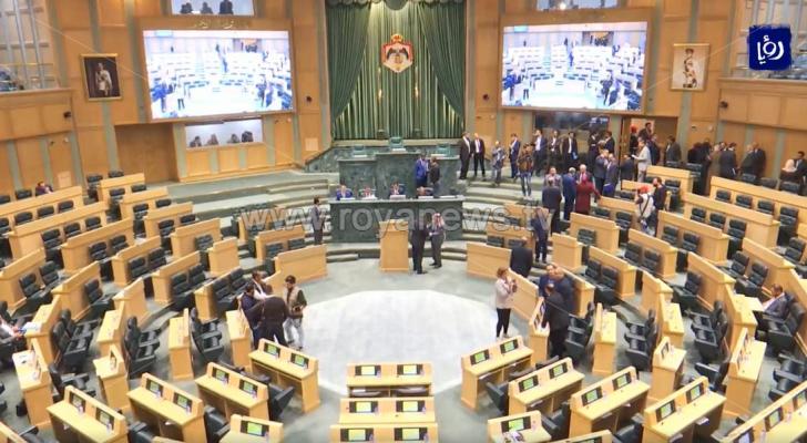 """""""النواب"""" يطلب من الصحفيين مغادرة القبة لمناقشة الرد على خطاب العرش"""