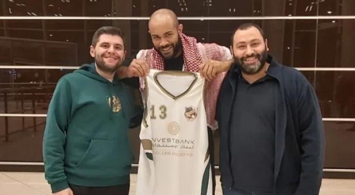 وصول اللاعب لأرض الأردن