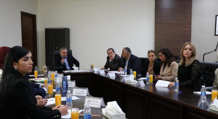 وزير الشباب يترأس اجتماع اللجنة العليا لمسابقة أيام التطوع الاردنية