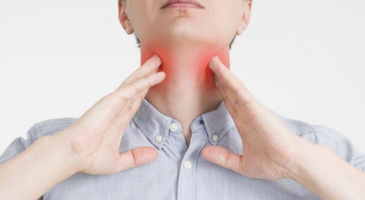 4 طرق لعلاج التهاب الحلق في المنزل