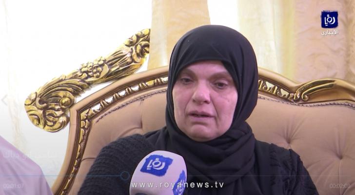 والدة الشهيد الأسير سامي أبو دياك - من الفيديو