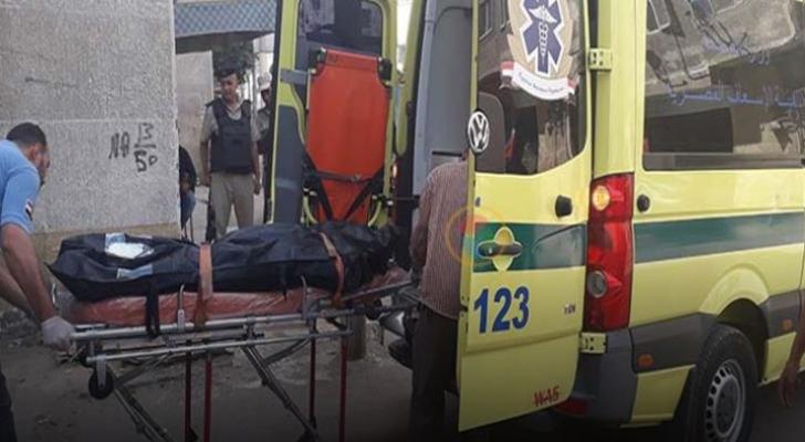 مصري يقتل عشيقته ويشعل النار في جثتها