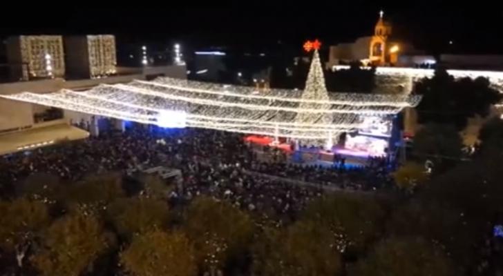 اضاءة شجرة الميلاد في بيت لحم ايذانا بانطلاق الاحتفالات بالاعياد المجيدة