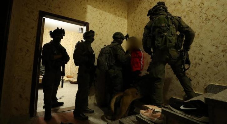 قوات الاحتلال تشن حملة اعتقالات جديدة في الضفة الغربية
