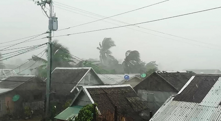 الاعصار كاموري في الفيليبين