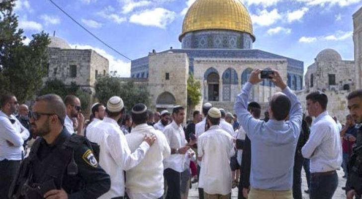 اقتحام المسجد الاقصى بحراسة مشددة من شرطة الاحتلال